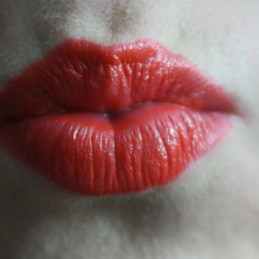 Mensez, il lucida labbra che blocca le mestruazioni (forse)